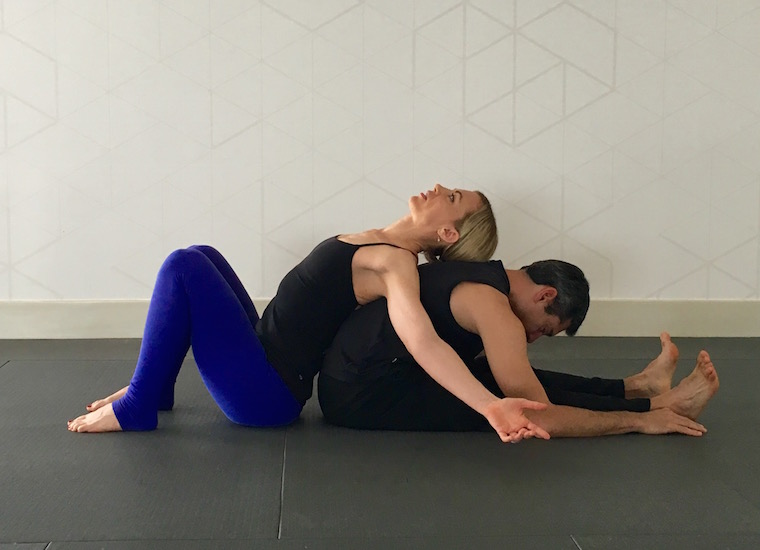 5 Ways Partner Yoga Is A Great Idea for Couples